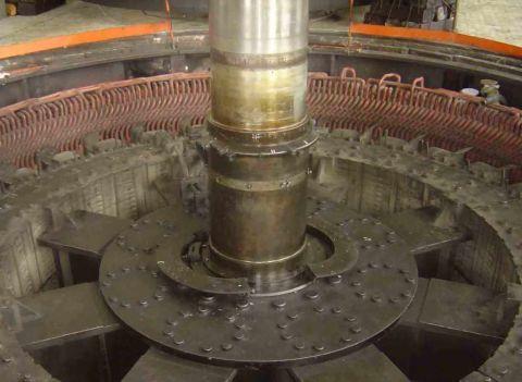 Ротор генератора на Ниве ГЭС-2